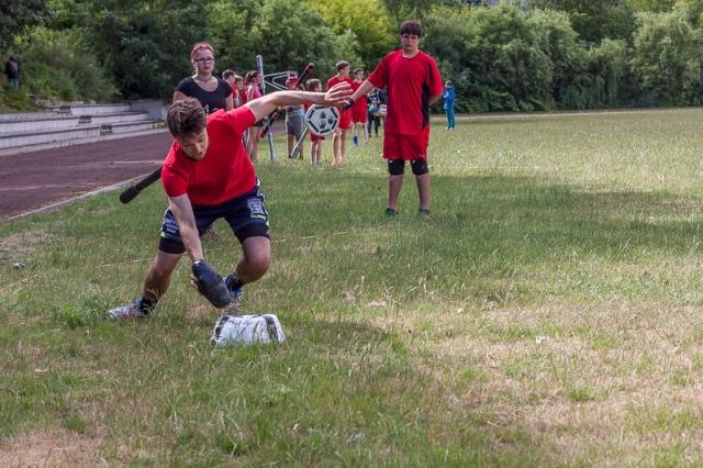 Jugg - Läufer am gegnerischen Mal beim Versenken des Juggs